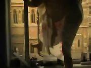 Vidéo voyeur d'une jeune fille se masturber sur le balcon