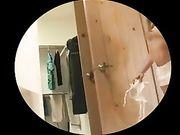 Fille nue sexy avec Super cul tourné sur caméra cachée