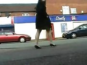 Fille nue dans les lieux publics