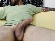 Une blonde fait du sexe oral et du sexe avec une grosse bite